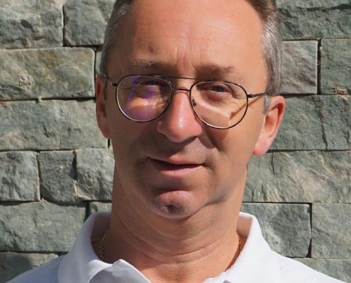 Dr. Andreas Ambach